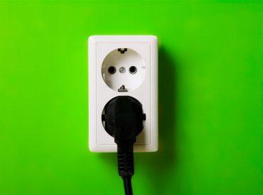 El consumo eléctrico en el hogar es un tema de creciente preocupación debido al encarecimiento que se ha experimentado en los últimos meses respecto al pasado año en el precio de la energía. Pese al abaratamiento del precio del gasóleo para la calefacción, lo cierto es que determinar el gasto de nuestros electrodomésticos es una […]