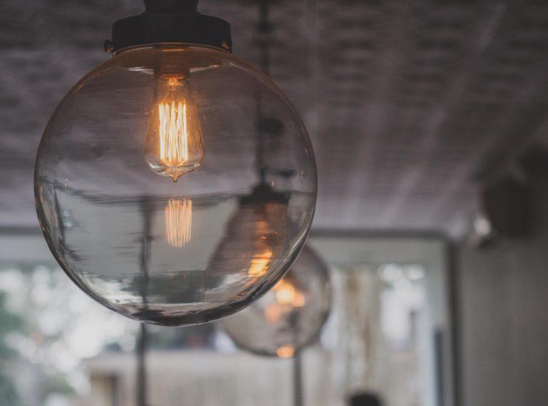 ¿Cómo optimizar el ahorro energético en tu casa y oficina?
